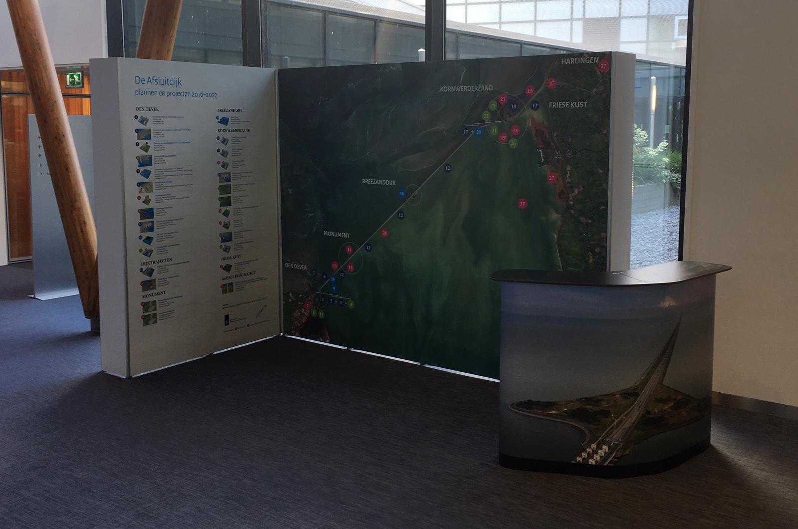 Expolinc Pop-up rechte geschakelde presentatiewanden van Rijkswaterstaat
